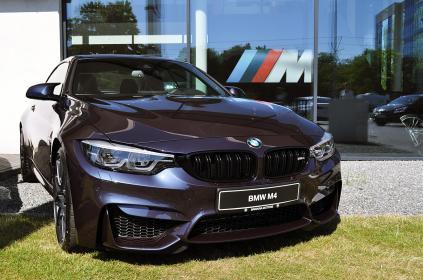 BMWM4_0002