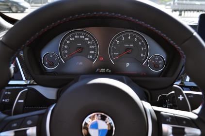 BMWM4_0037