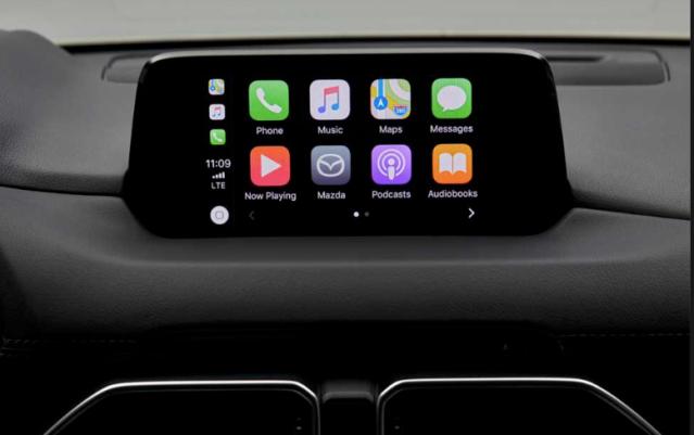 Apple Car Play we wszystkich MAzdach z MZD Connect