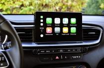 ...a także zawartość telefonu z systemem Apple Car Play lub Android Auto